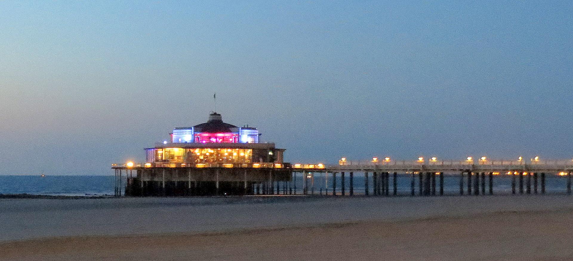 De Pier by night